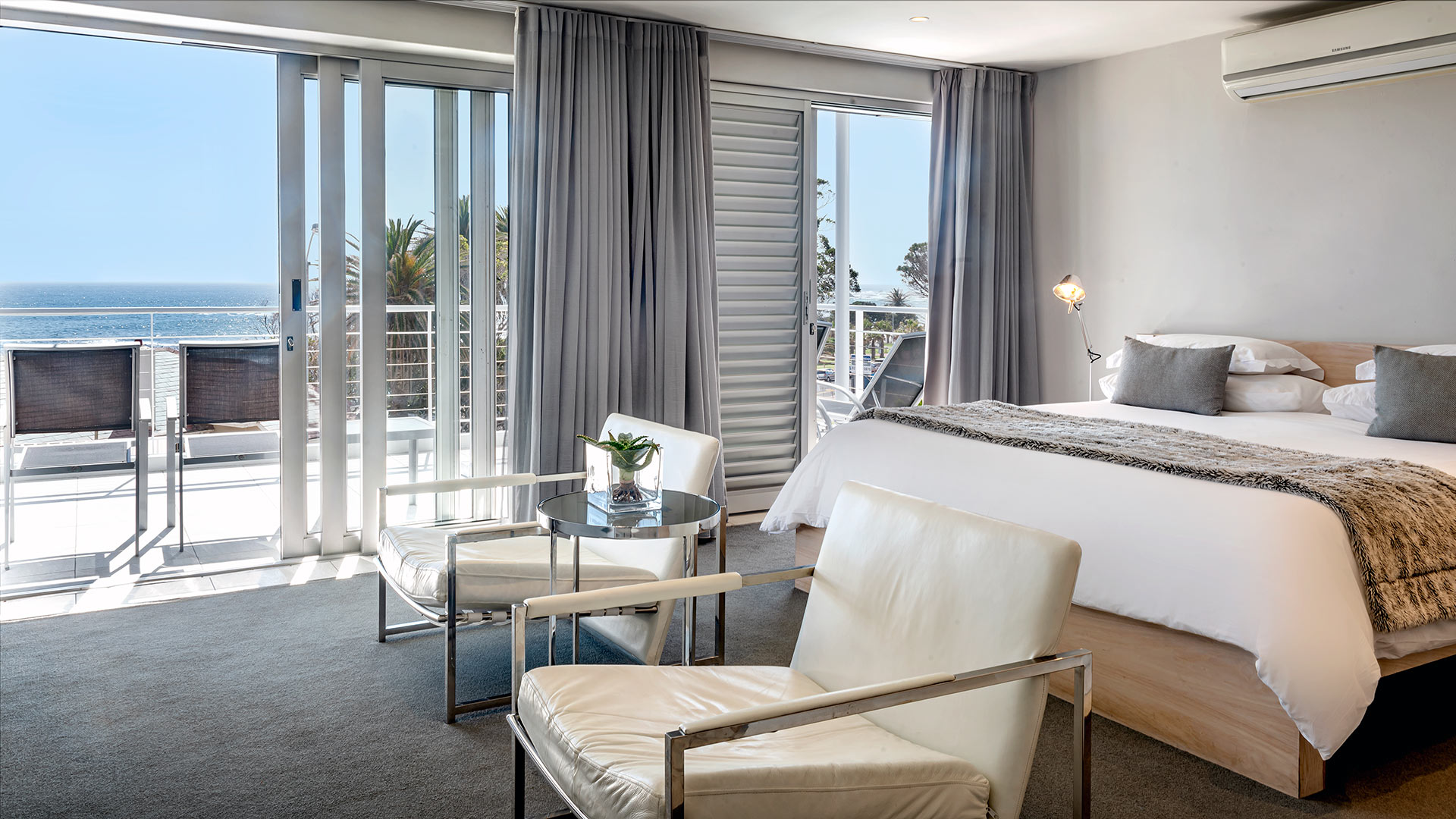 south-beach-camps-bay-classic-balcony-suite-8