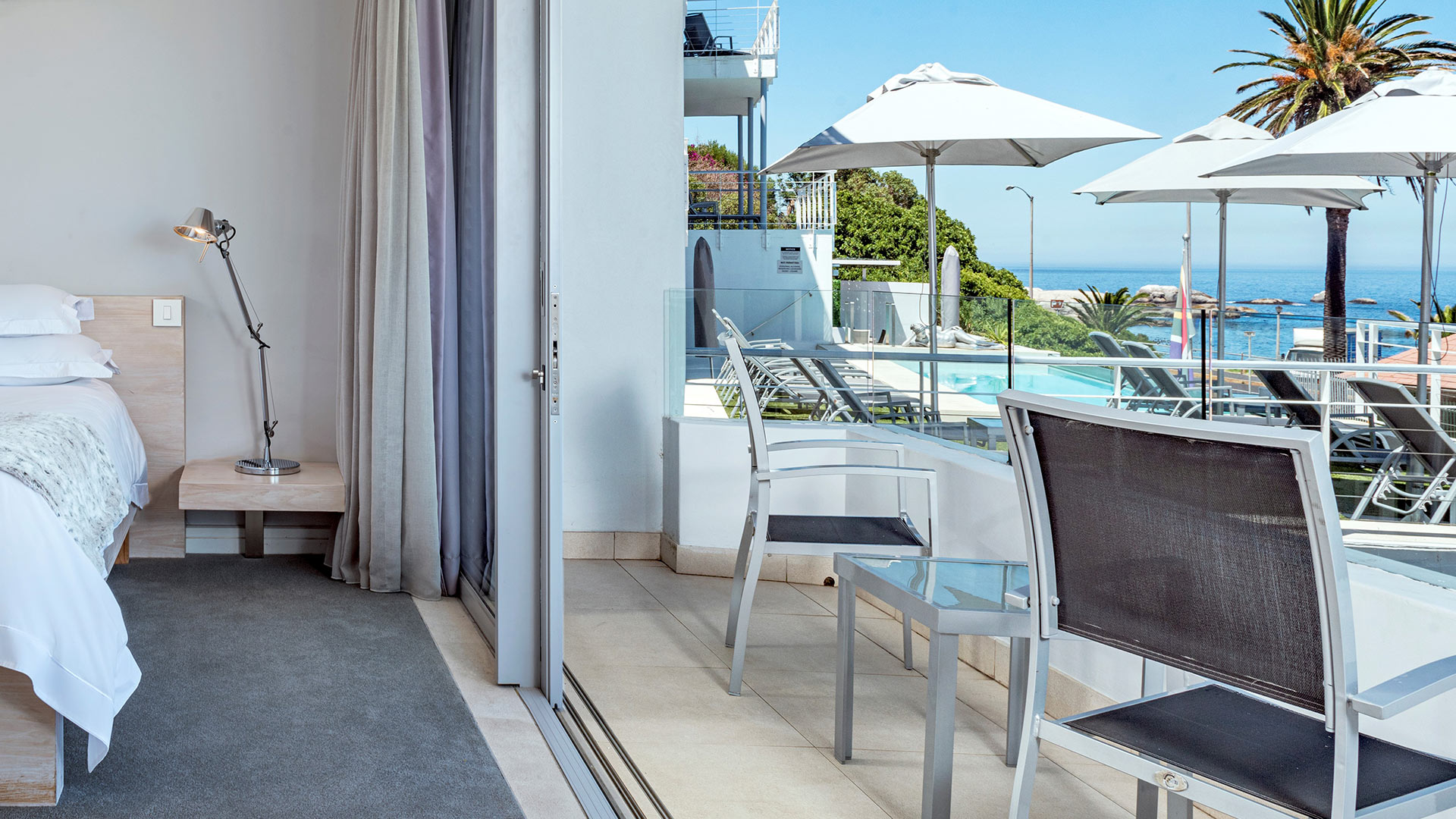 south-beach-camps-bay-deluxe-plus-suite-4