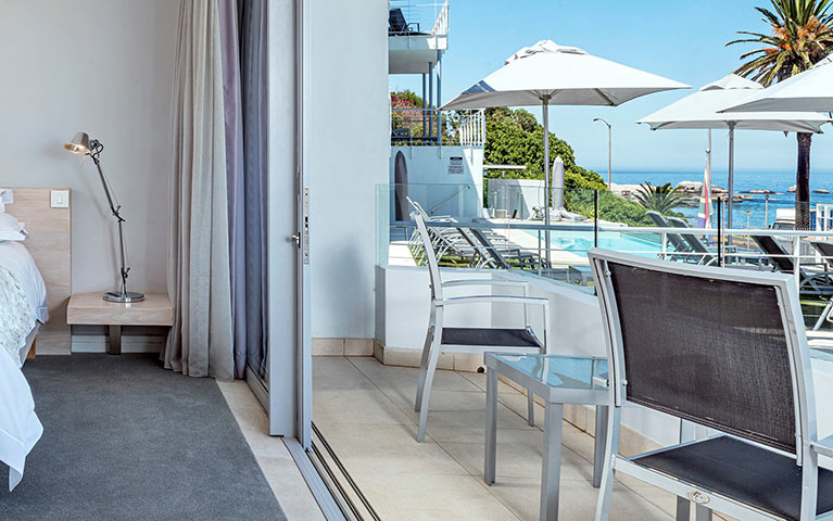 south-beach-camps-bay-deluxe-plus-suite-mobile-4