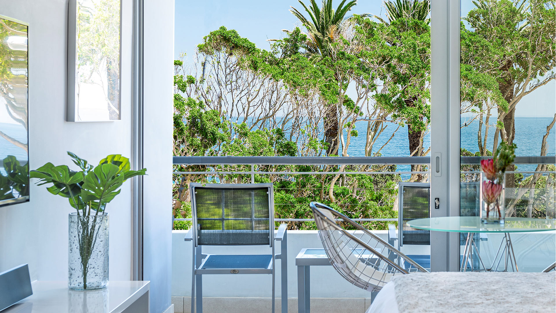 south-beach-camps-bay-deluxe-suite-5