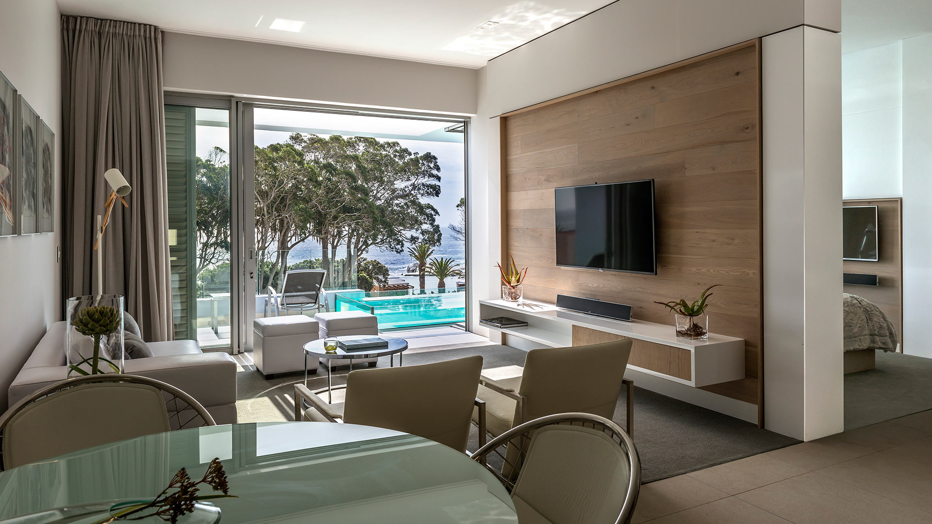south-beach-camps-bay-luxury-penthouse-pool-7