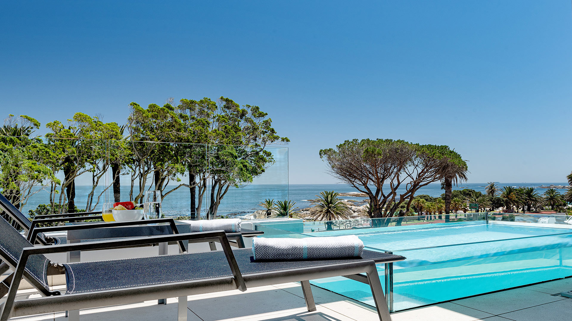 south-beach-camps-bay-luxury-penthouse-pool-extra-4