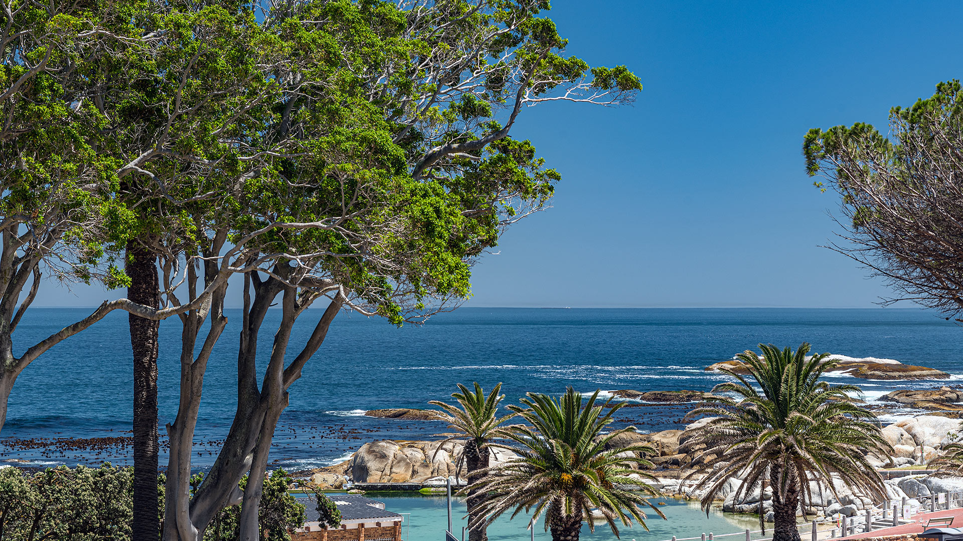 south-beach-camps-bay-luxury-penthouse-pool-extra-6