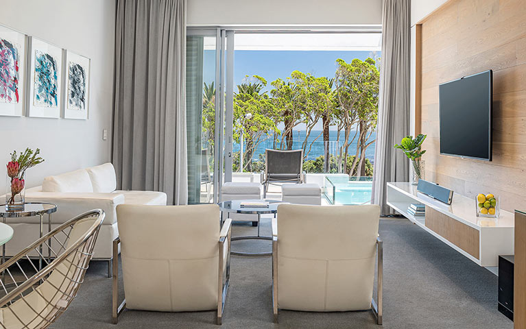 south-beach-camps-bay-luxury-penthouse-pool-extra-mobile-1