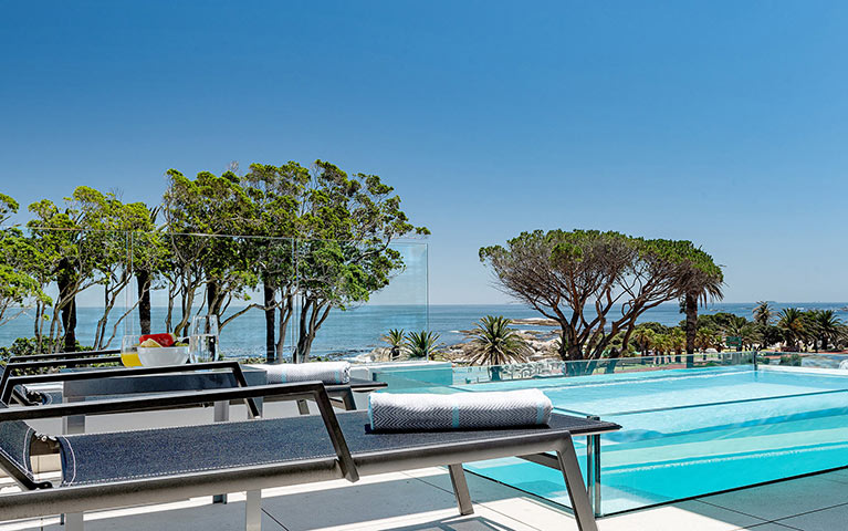 south-beach-camps-bay-luxury-penthouse-pool-extra-mobile-4