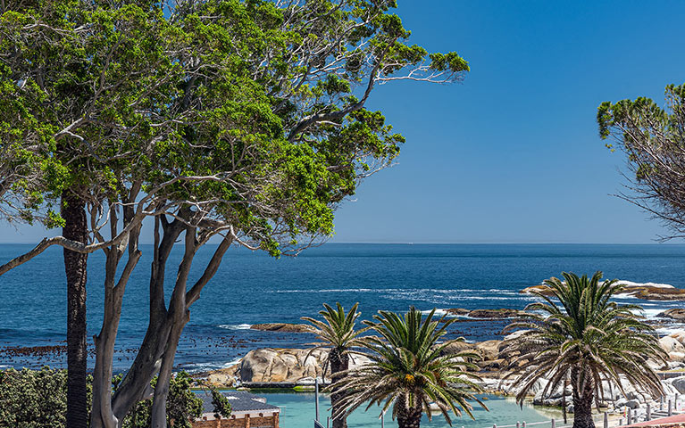 south-beach-camps-bay-luxury-penthouse-pool-extra-mobile-6