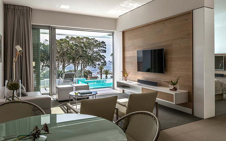 south-beach-camps-bay-luxury-penthouse-pool-mobile-7