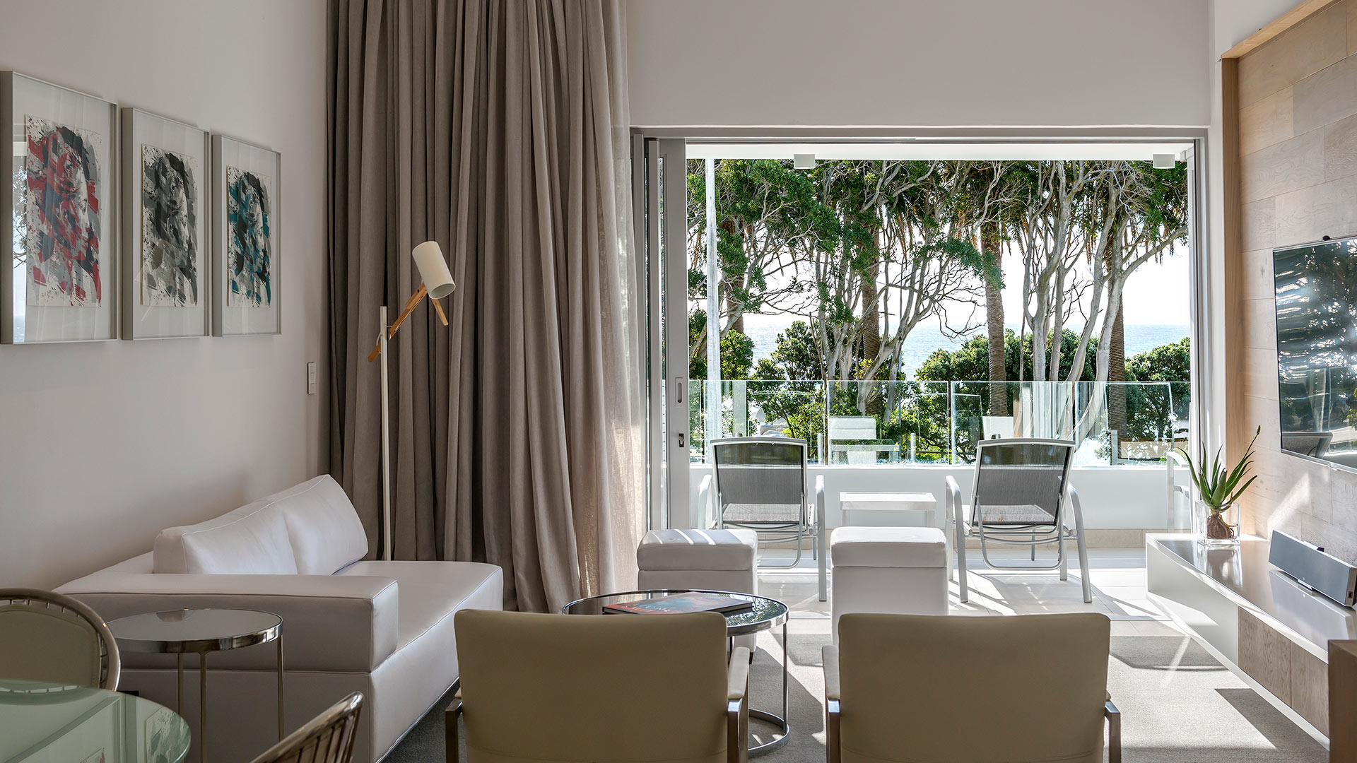 south-beach-camps-bay-one-bed-luxury-5