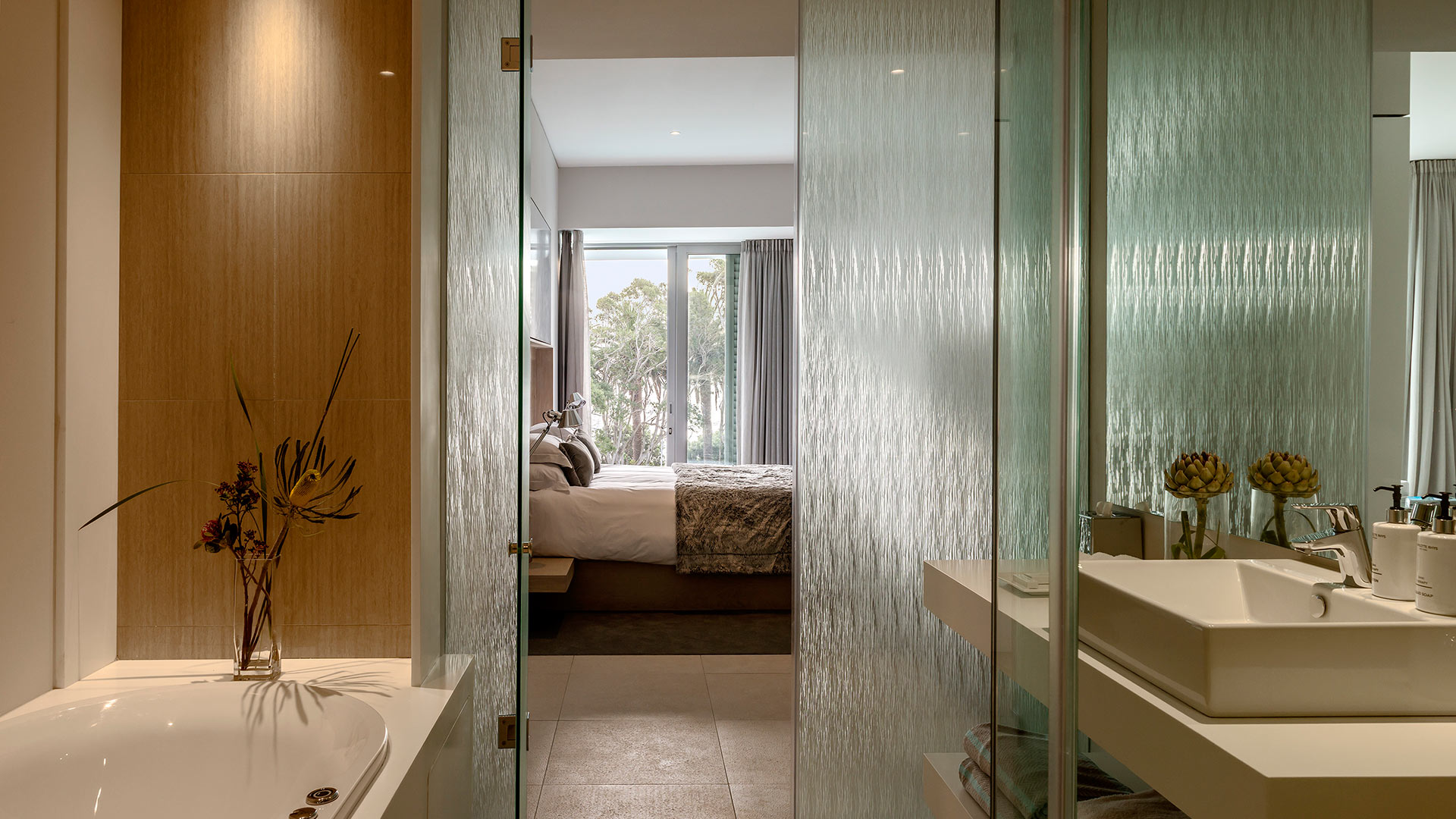 south-beach-camps-bay-one-bed-luxury-6