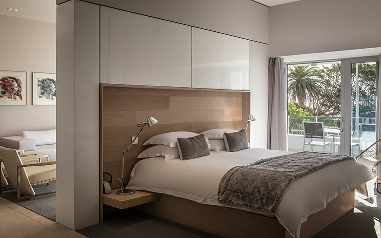 south-beach-camps-bay-one-bed-luxury-mobile-1