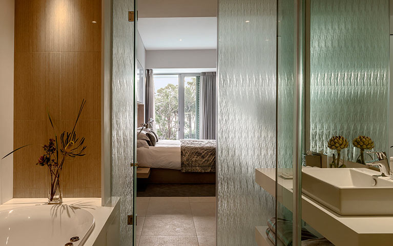 south-beach-camps-bay-one-bed-luxury-mobile-6