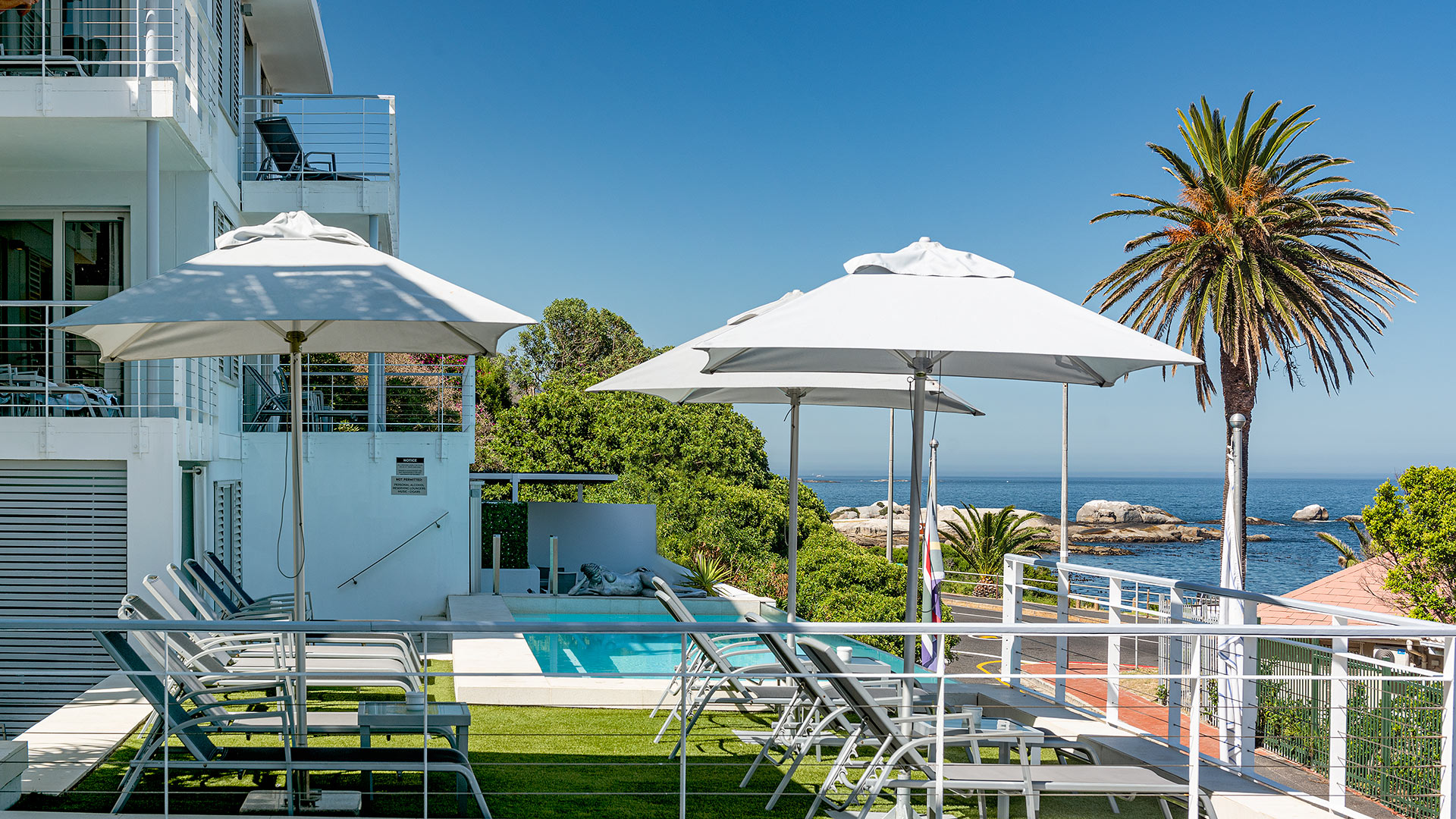 south-beach-camps-bay-pool-terrace-suite-3